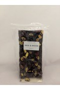 Max and Boon Dark Choc Pistachio and Cranberry 180gr